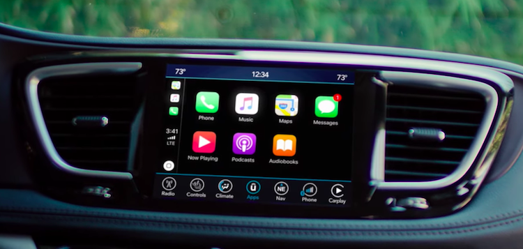 2020 Chrysler Pacifica apple carplay screen