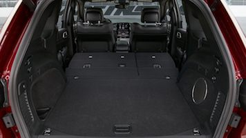2020 jeep grand cherokee trunk space